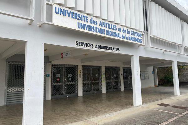 Administratif Campus Schoelcher de l'Université des Antilles Martinique