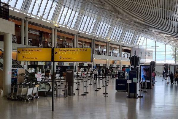 Aéroport Martinique hall enregistrement
