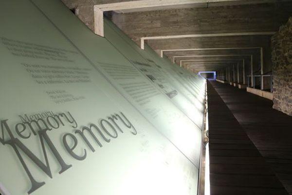 Le passage méditatif souterrain du mémorial