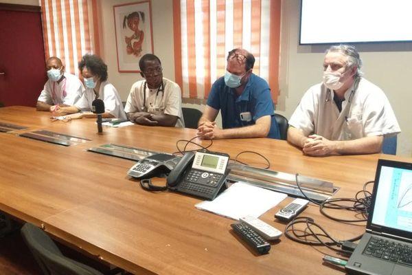 Conférence de presse des professeurs de médecine du CHC