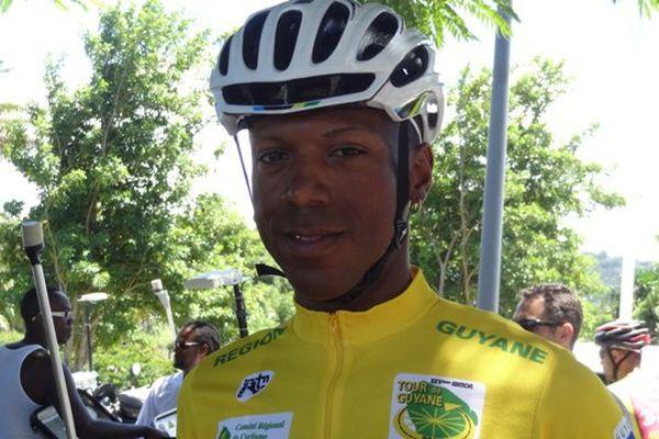 Patrice Ringuet en jaune lors de la dernière étape du tour de Guyane 2014