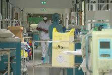 Un des couloirs de l'hôpital Pierre Zobda Quitman à Fort-de-France.