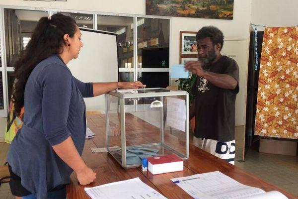 Vote élections législatives mairie Poya (11 juin 2017)