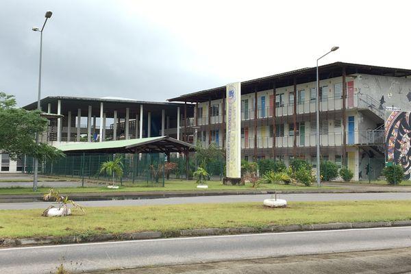 Lycée Léopold Elfort à Mana, Guyane