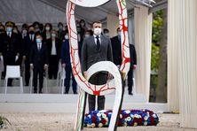 Emmanuel Macron a assisté à la désormais traditionnelle cérémonie du 10 mai 2021 dans le jardin du Luxembourg, sans prendre la parole.