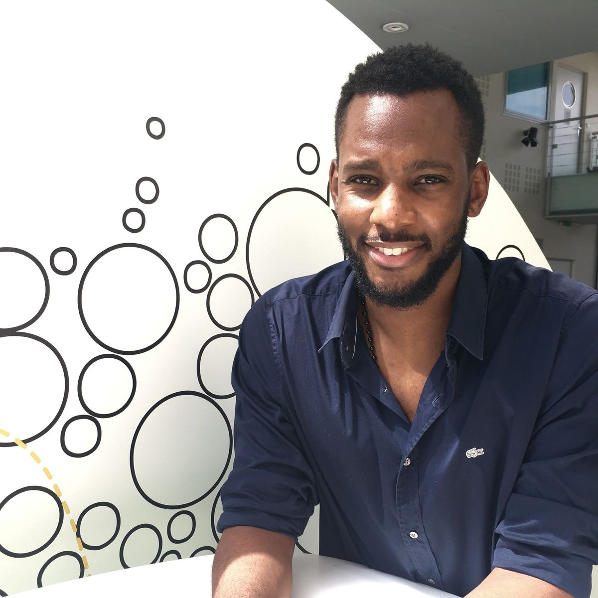 Olivier Kissita: l'acteur révèle enfin les raisons de son célibat