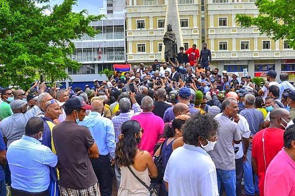 Manifestation devant le tribunal de Port-Louis 7 janvier 2021