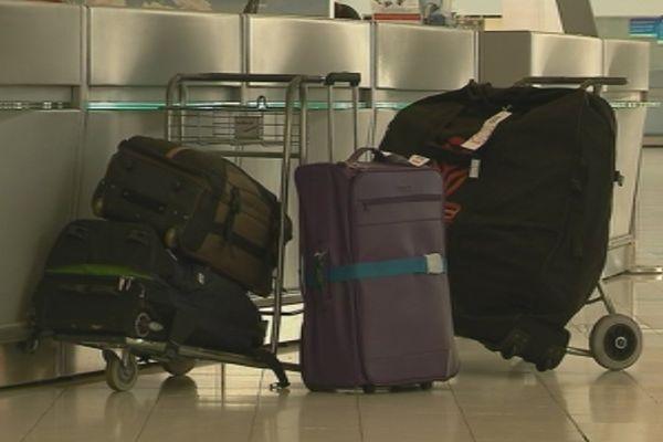 Capture chariots de bagages aéroport La Tontouta