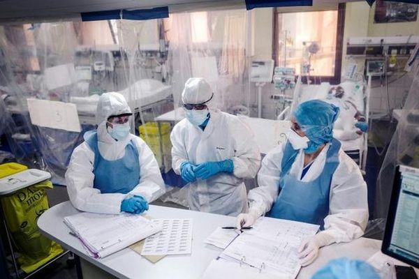 Covid-19 lancement d'un clinique par injection à Madagascar mai 2020