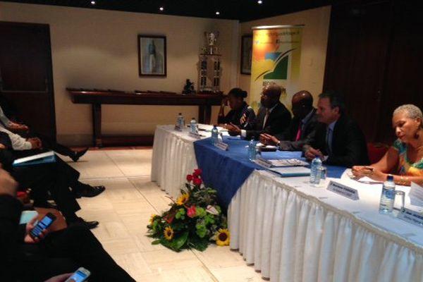 Signature de conventions Etat-Région Pôle emploi 2