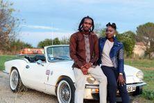 Les deux jeunes entrepreneurs créent des tenues du quotidien à partir des textiles africains.