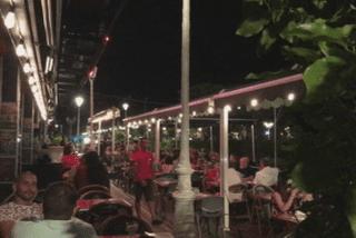 Earth Hour / nuit / restaurant