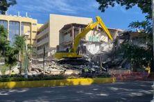 L'immeuble Juventin en cours de destruction.