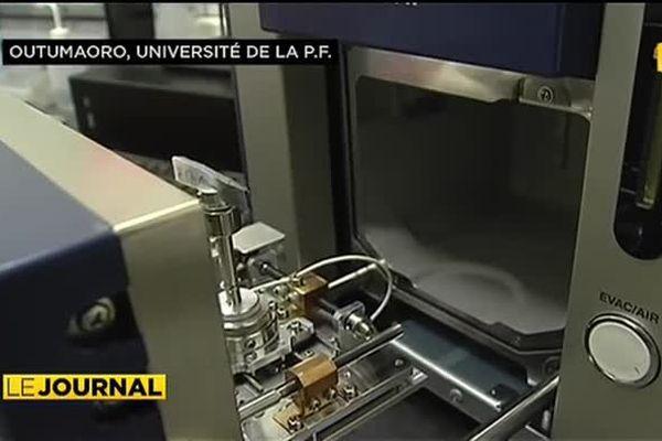 Un nouveau microscope électronique très perfectionné pour l'université