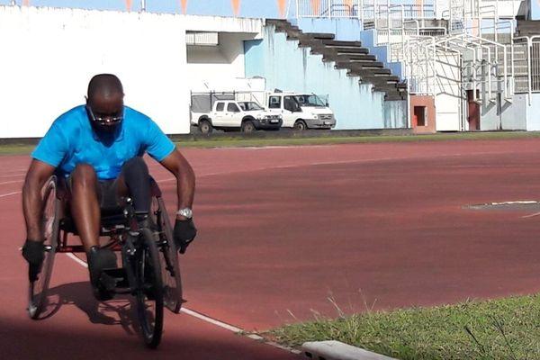 Dimitri Bergevin, accidenté de la route. Athlète sur fauteuil Foyal Club Handisport