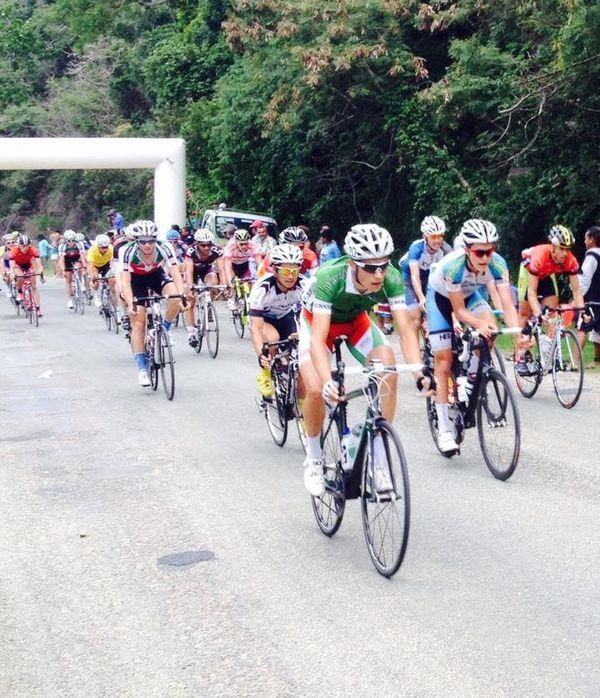Le peloton 5ème étape Tour NC