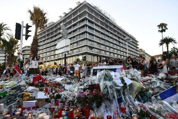 hommage attentats nice