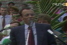 Michel Rocard en Nouvelle-Calédonie en 1988.