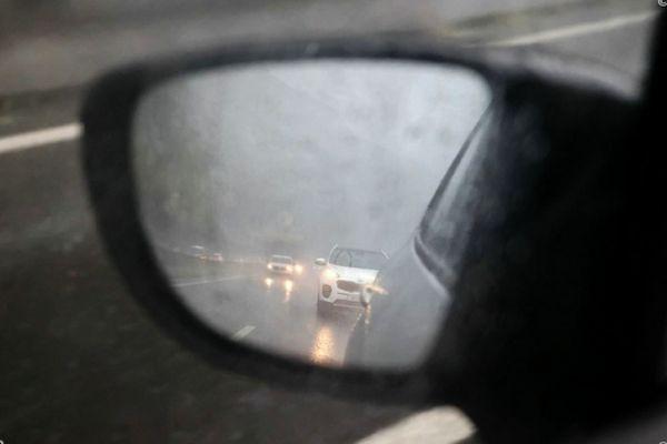 En raison de la pluie, la Route du Littoral va être basculée côté mer entre Saint-Denis et La Possession