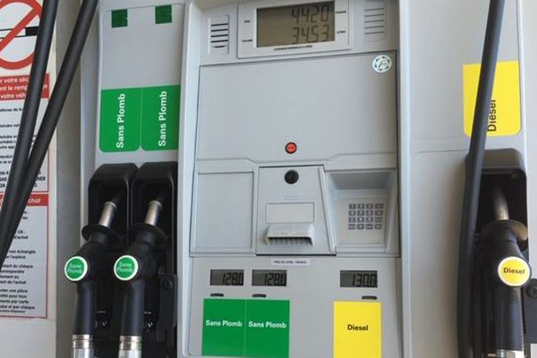 L'essence passe à 140 francs et le gazole à 142 francs
