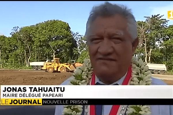 Victorin Lurel sur le chantier de la prison de Papeari