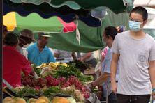 Des étals bien remplis au marché de Saint-Laurent