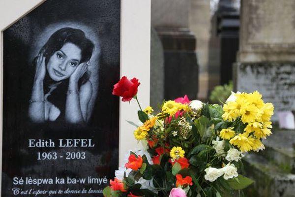La stèle d'Edith Lefel au cimetière du Père Lachaise, division 45