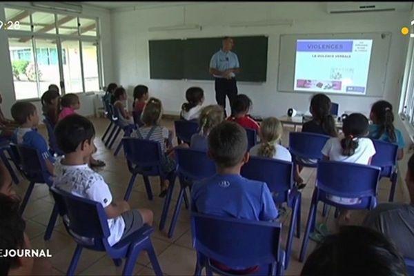 La gendarmerie en mission de sensibilisation en milieu scolaire à Raiatea