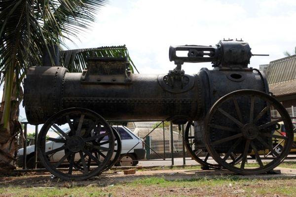 Locomotive train Dzoumogné