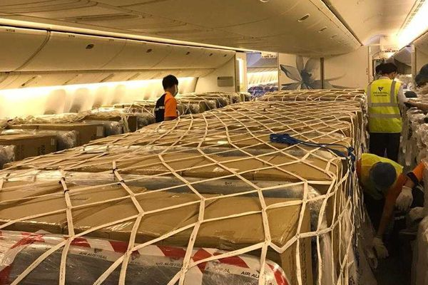 avion Air Austral en provenance de Chine