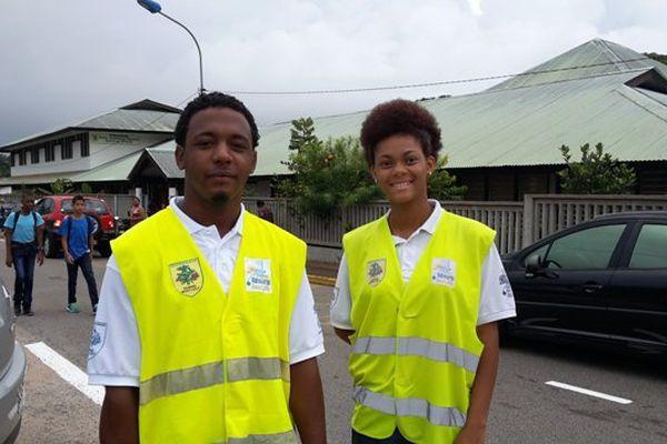 David et Leïcka agents de sécurité des écoles à Rémire