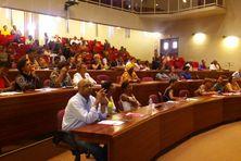 Le public de la conférence à l'auditorium de la mairie de Rémire-Montjoly
