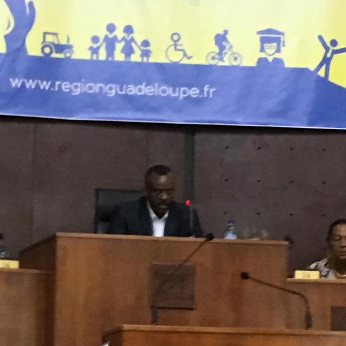Le Grand Forum Citoyen se tient en ce moment au Conseil Régional à Basse-Terre