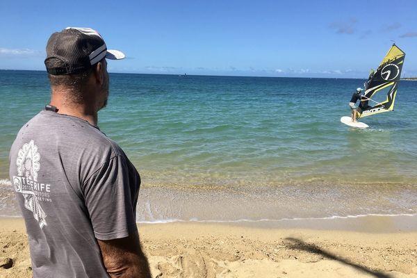 Déconfinement, dimanche de beau temps à l'Anse-vata, 18 avril 2021? windsurf, glisse, voile