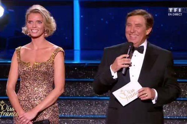 Sylvie Tellier et Jean-Pierre Foucault pendant l'élection Miss France 2015