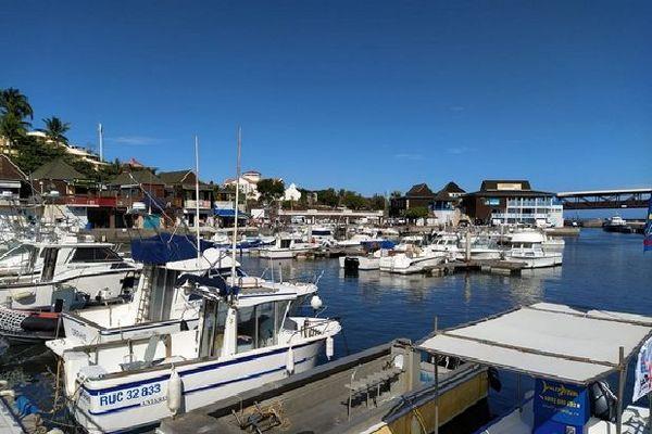 Port de Saint-Gilles sous le soleil 2020