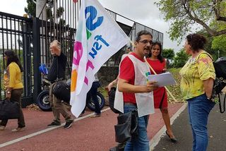 Une mobilisation en faveur des AESH, Accompagnants d'Elèves en Situation de Handicap, a eu lieu ce mercredi 20 novembre, devant le rectorat de La Réunion.