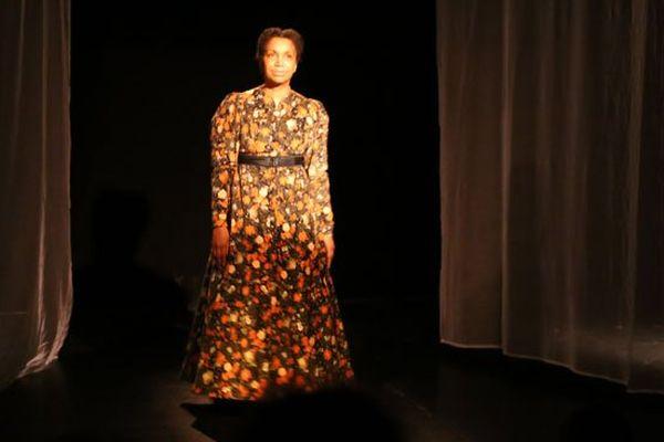 Souria Adèle interprète l'esclave britannique Mary Prince