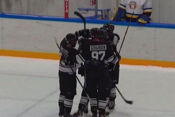 cougars victoire hockey saint-pierre et miquelon