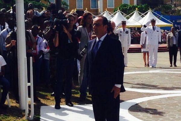 Recueillement Hollande Place de la Victoire