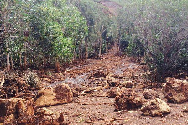 Poya glissement terrain mine Pinpin
