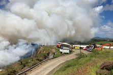 21 sapeurs-pompiers luttent contre le feu Feu à la déchetterie du Galion.
