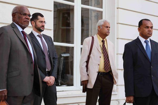L'eurodéputé Maurice Ponga (Front pour l'Unité) & Octave Togna (Sénat coutumier)