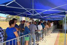 Forte affluence à Boulouparis pour voter au référendum du 4 octobre 2020.