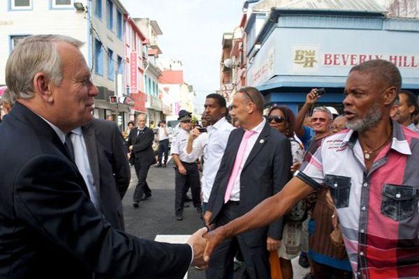 Jean-Marc Ayrault aux Antilles