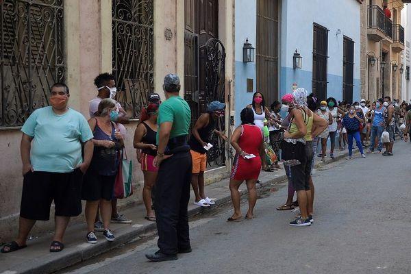 Queue alimentation La Havane
