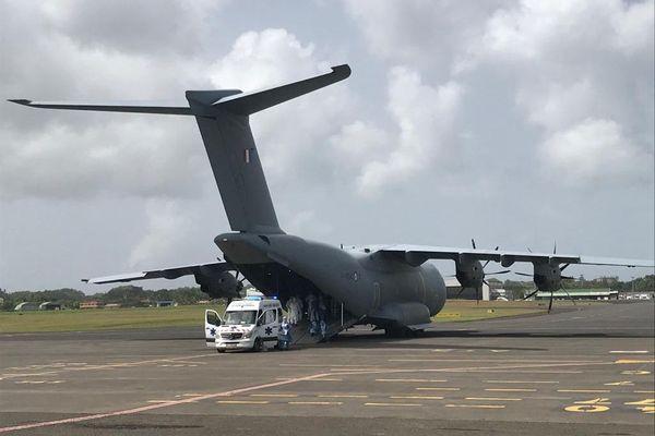 Evacuation sanitaire - avion militaire 3