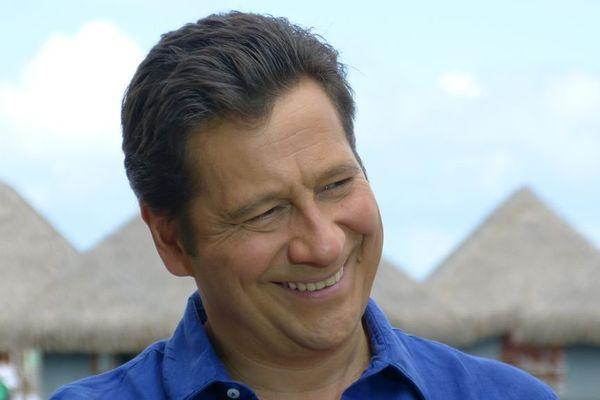 Laurent Gerra au Méridien à Tahiti, interviewé par Lolo pour Polynésie 1ère 4