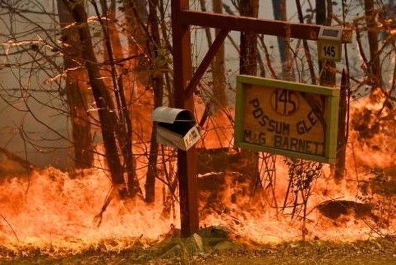 Violents incendies aux portes de Sydney
