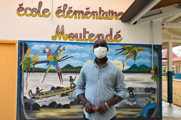 Lika Adaoudé directeur de l'école Moutendé